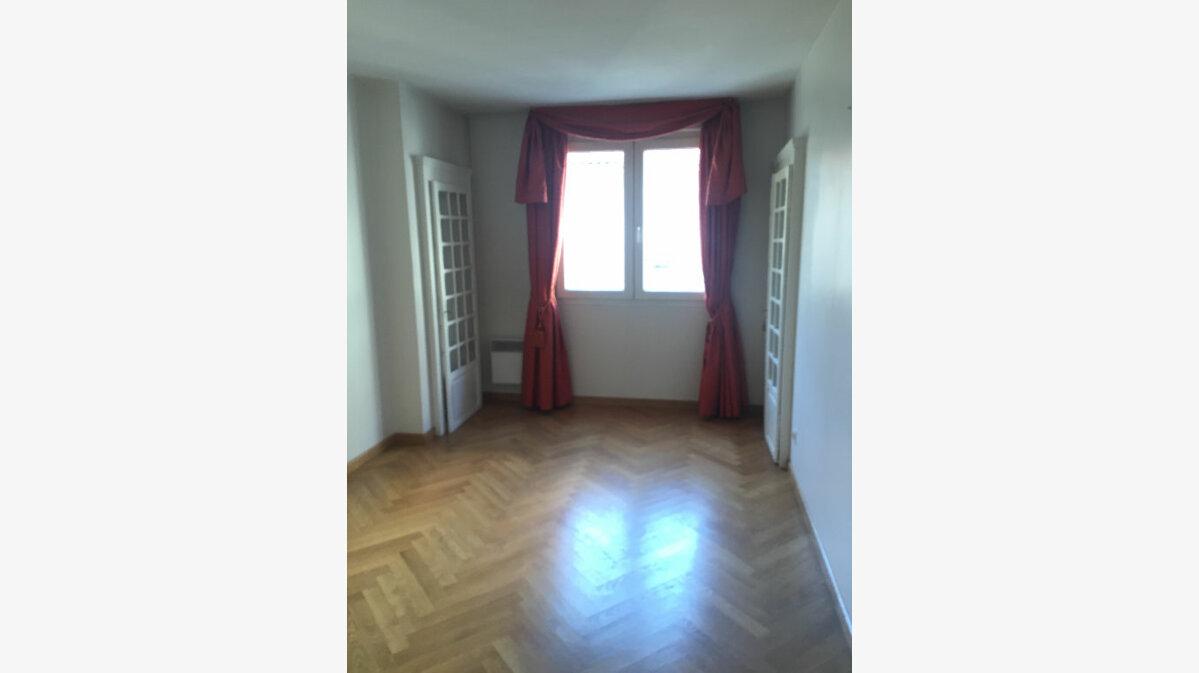 Achat Appartement 4 pièces à Lyon 3 - vignette-5