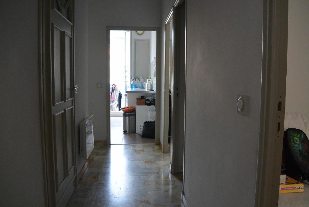 Location Appartement 4 pièces à Cannes - vignette-3