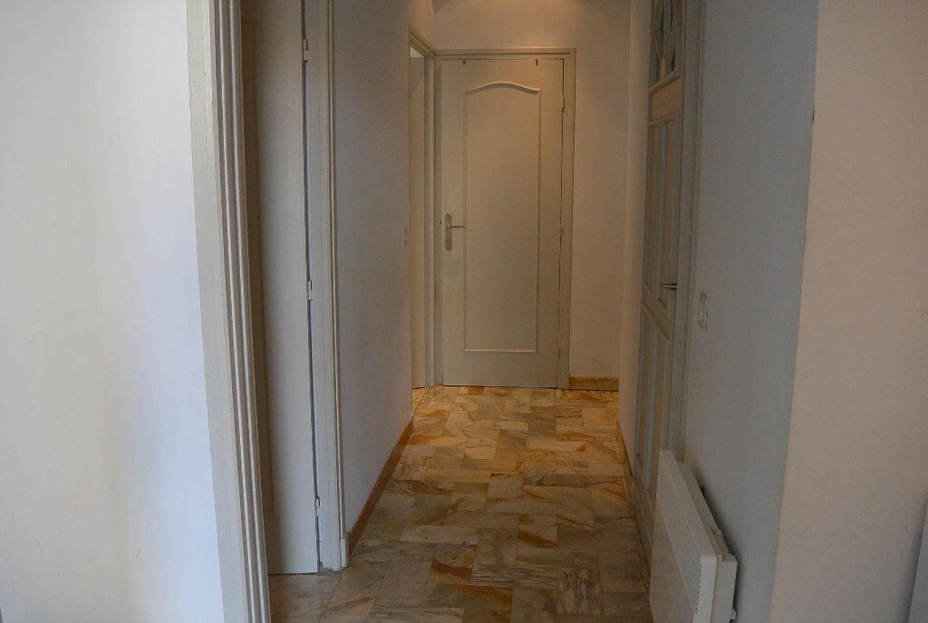 Location Appartement 4 pièces à Cannes - vignette-5