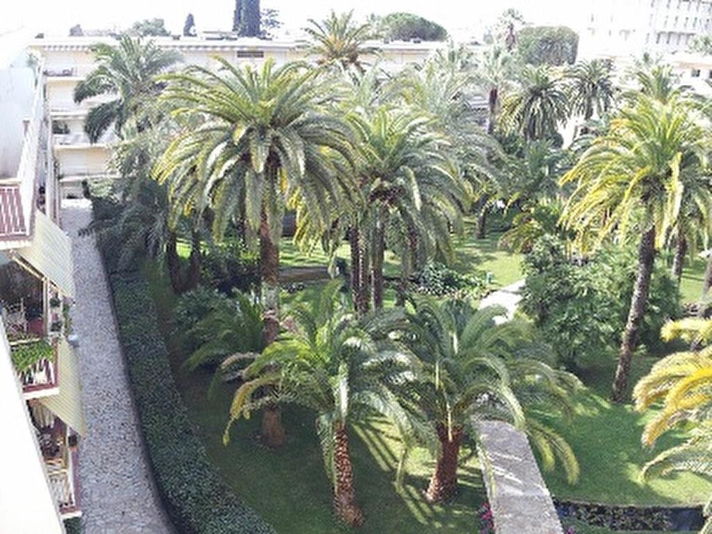 Location Appartement 2 pièces à Cannes - vignette-1