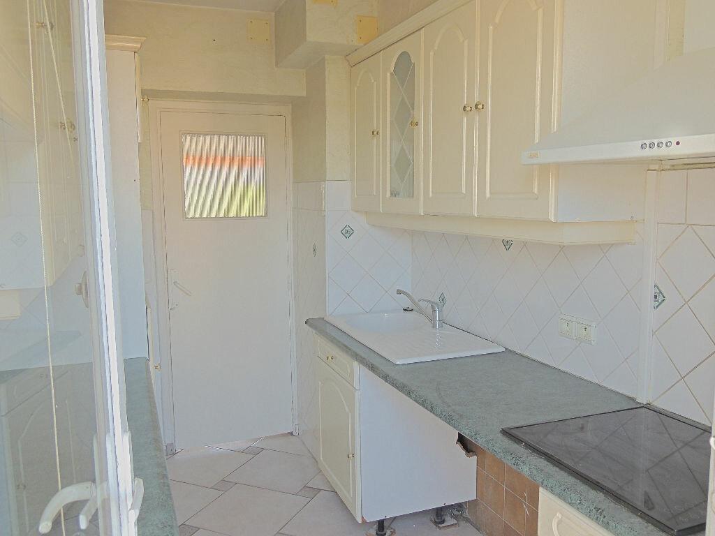 Location Appartement 3 pièces à Le Cannet - vignette-2
