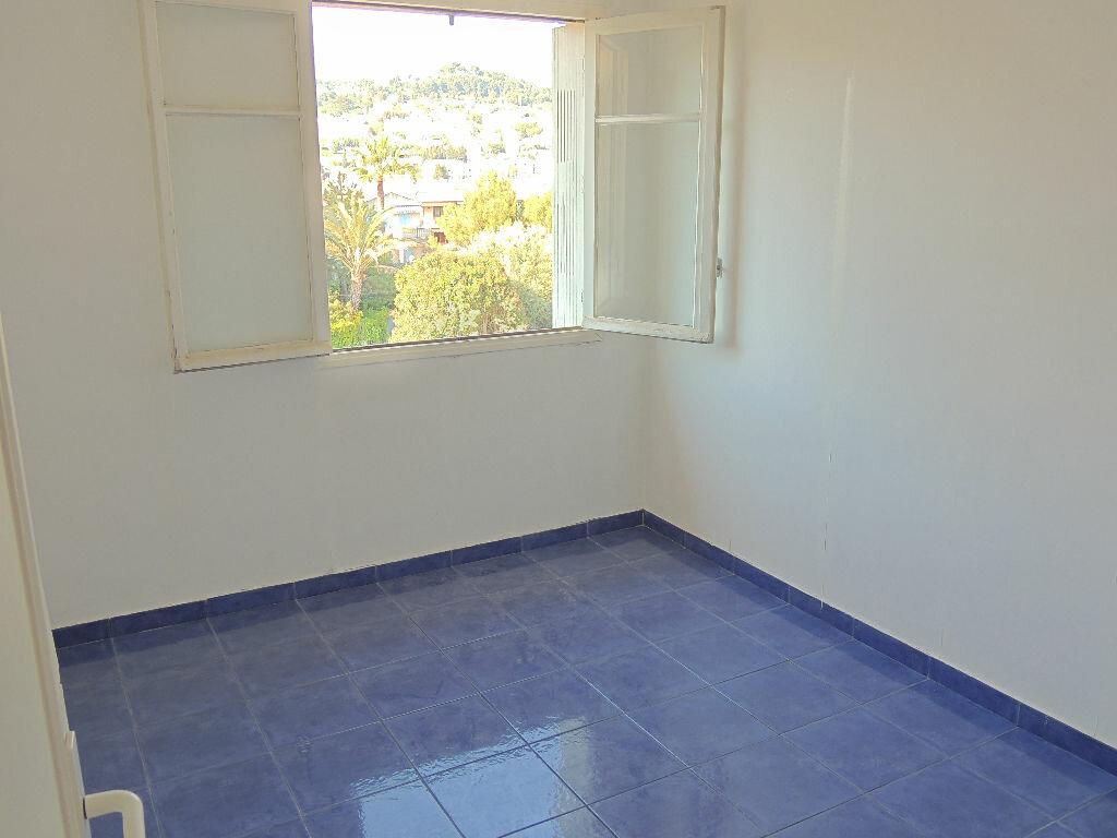 Location Appartement 3 pièces à Le Cannet - vignette-4