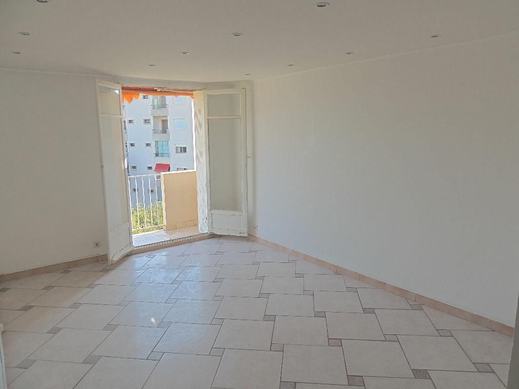 Location Appartement 3 pièces à Le Cannet - vignette-5