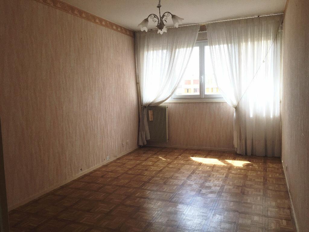 Achat Appartement 3 pièces à Montargis - vignette-3
