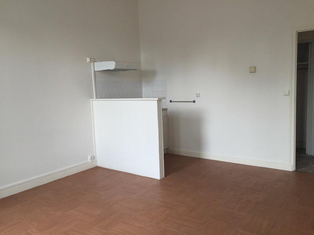 Location Appartement 1 pièce à Montargis - vignette-2