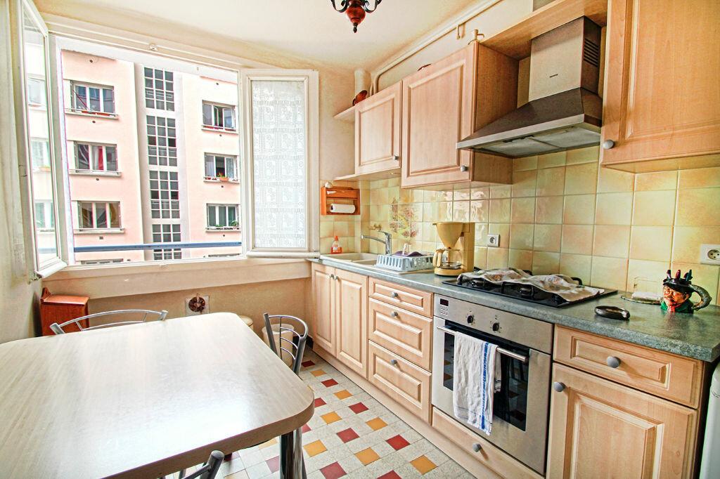 Achat Appartement 3 pièces à Lyon 7 - vignette-1