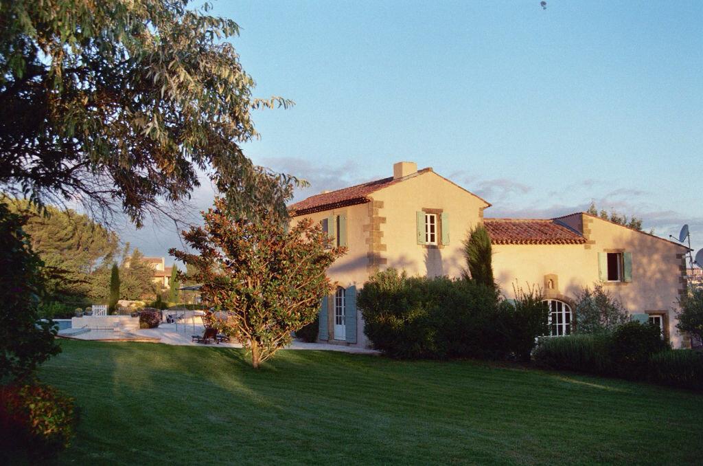 Achat Maison 15 pièces à Aix-en-Provence - vignette-1
