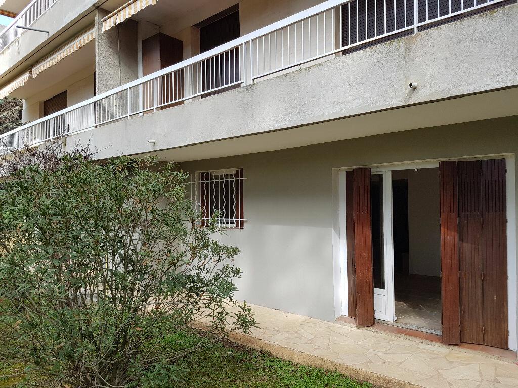 Achat Appartement 3 pièces à Aix-en-Provence - vignette-8