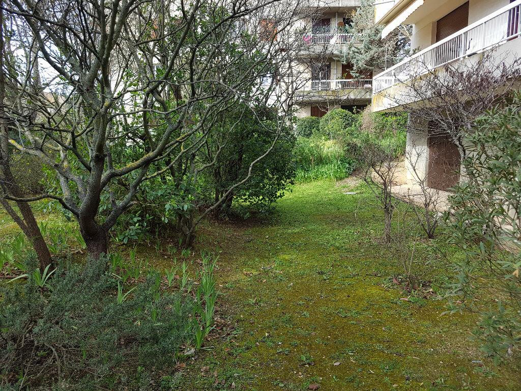 Achat Appartement 3 pièces à Aix-en-Provence - vignette-15