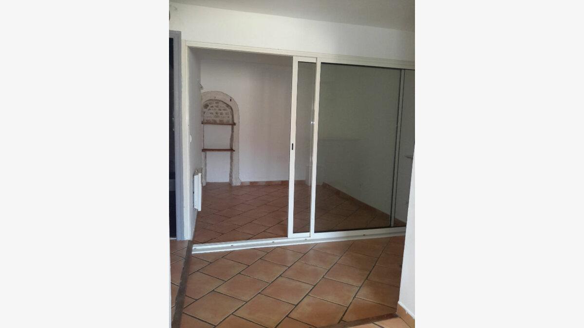 Location Appartement 2 pièces à Meyrargues - vignette-1