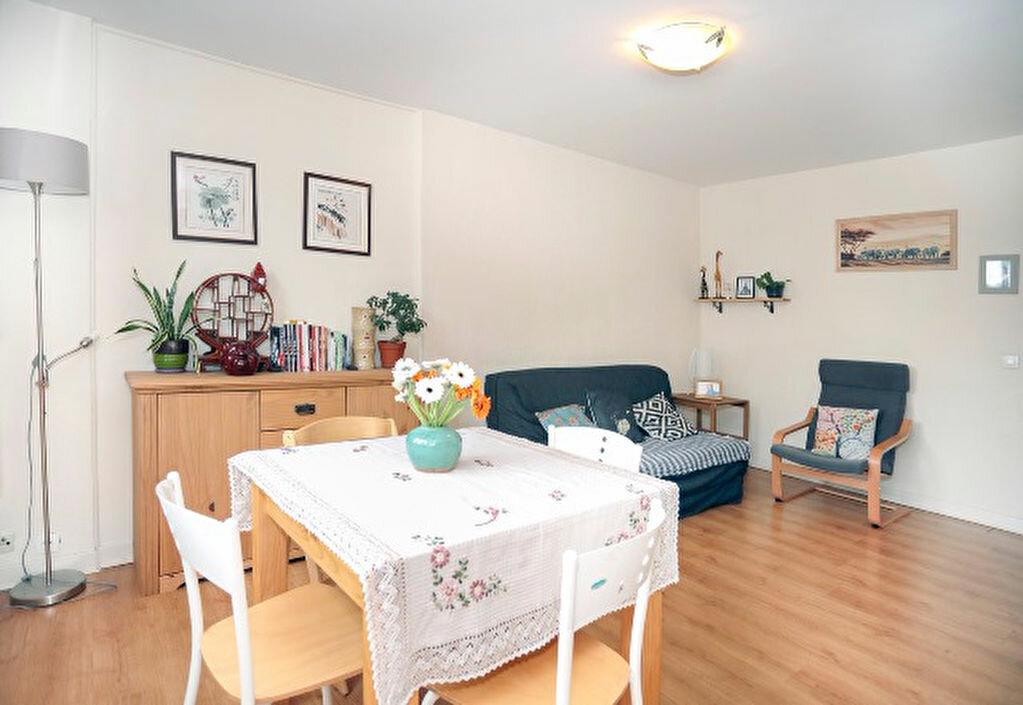 Achat Appartement 3 pièces à Aix-en-Provence - vignette-2