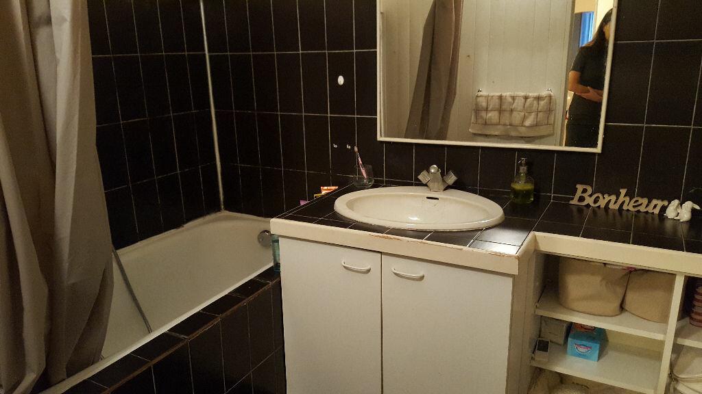 Achat Appartement 3 pièces à Aix-en-Provence - vignette-3