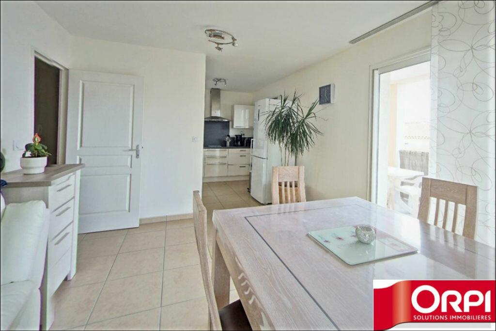Achat Appartement 3 pièces à La Fare-les-Oliviers - vignette-2