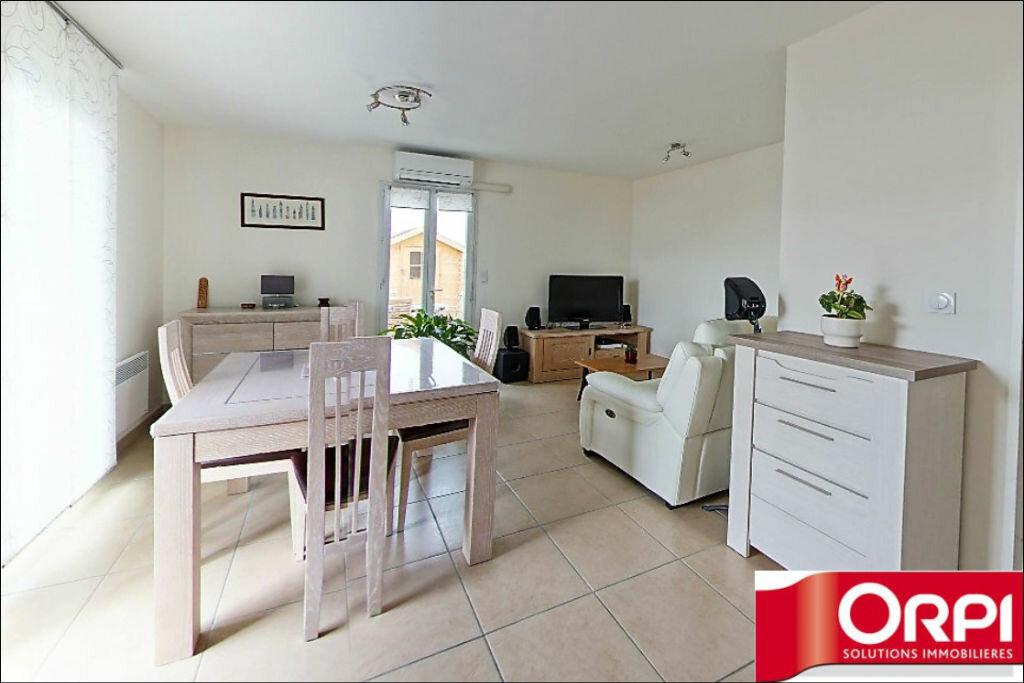 Achat Appartement 3 pièces à La Fare-les-Oliviers - vignette-4