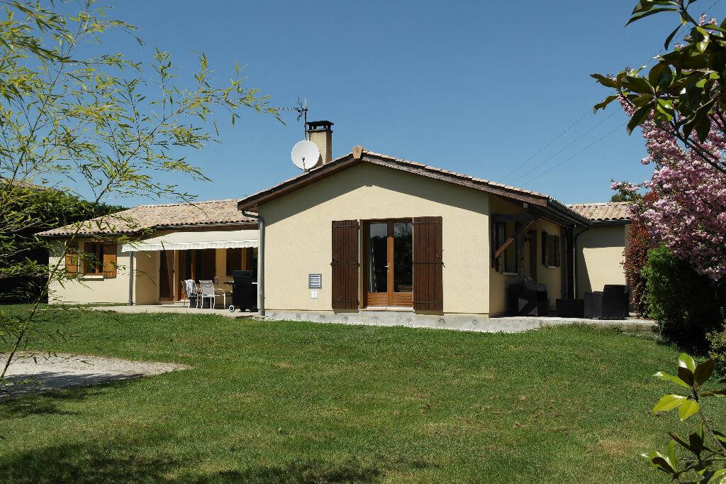 Achat Maison 6 pièces à Saint-Ciers-d'Abzac - vignette-1