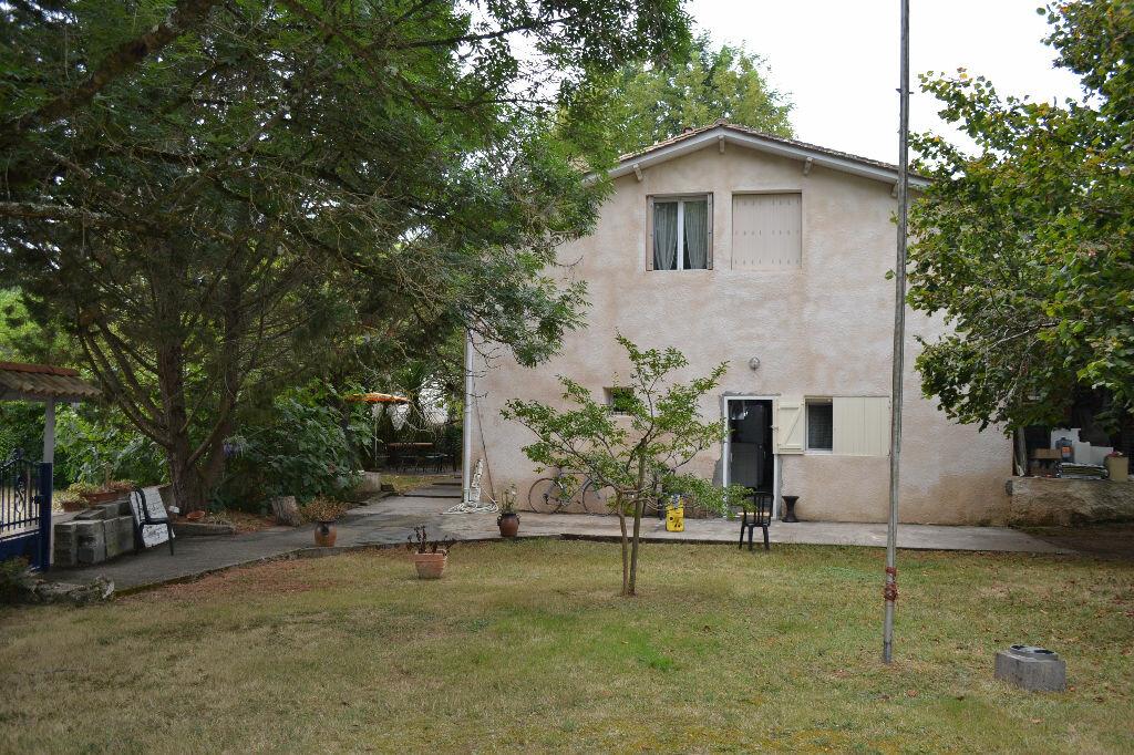 Achat Maison 6 pièces à Saint-Denis-de-Pile - vignette-1