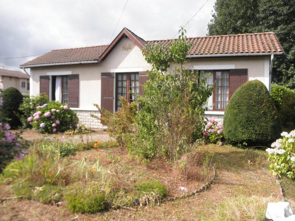 Achat Maison 4 pièces à Saint-Médard-de-Guizières - vignette-1