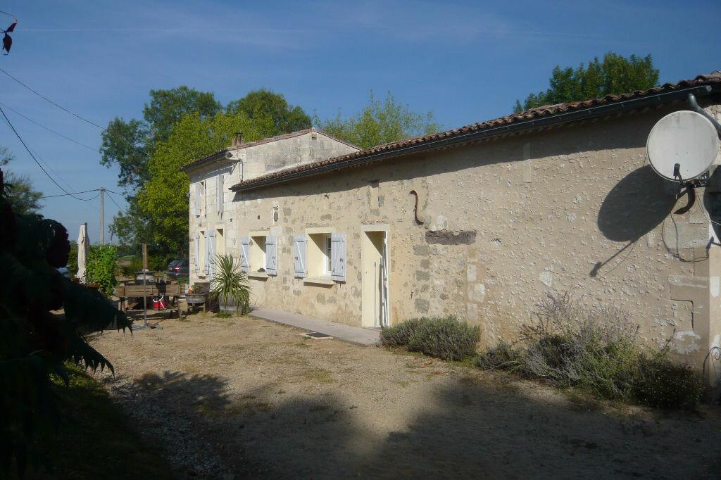 Achat Maison 5 pièces à Saint-Martin-du-Bois - vignette-2