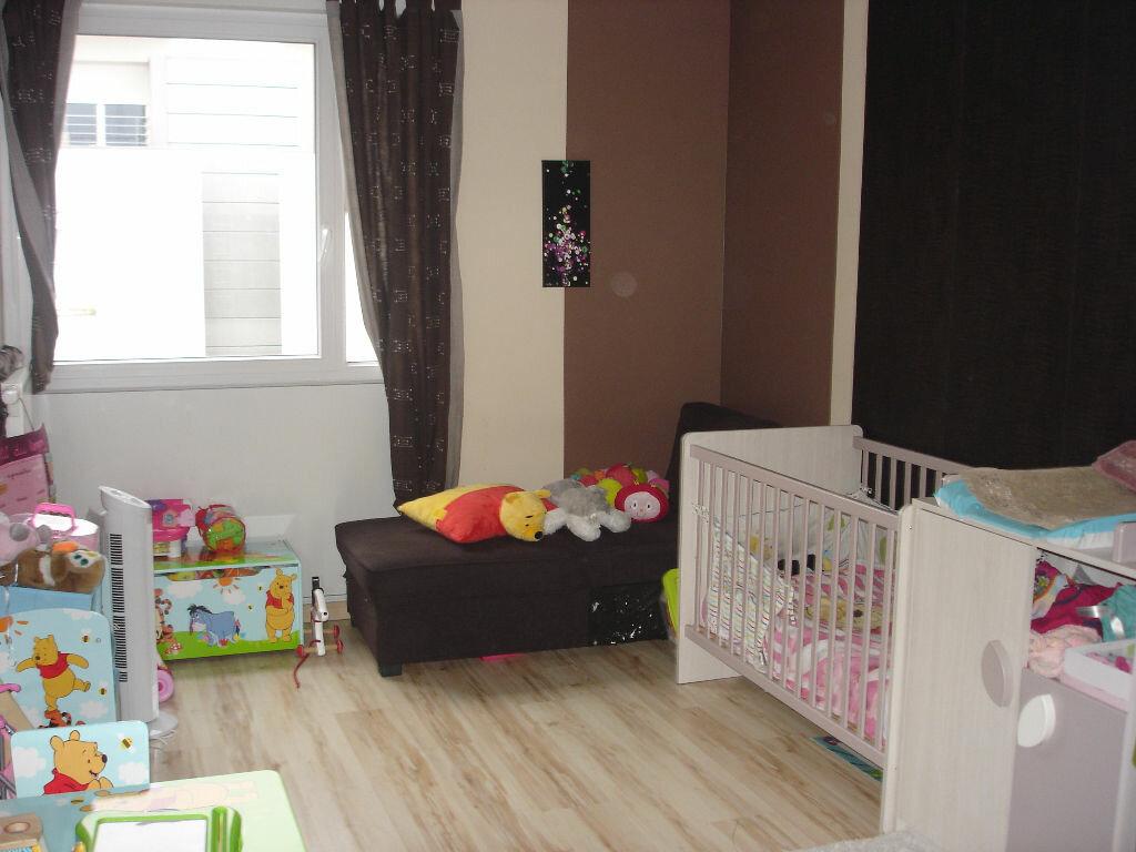 Achat Appartement 5 pièces à Essey-lès-Nancy - vignette-5