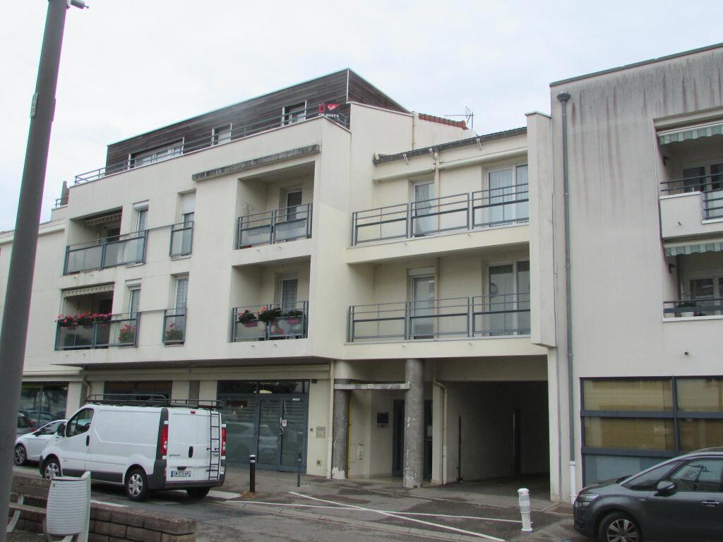 Location Appartement 3 pièces à Essey-lès-Nancy - vignette-1