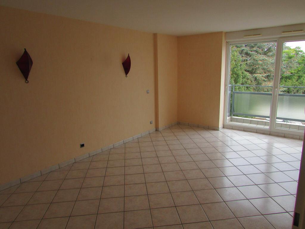 Location Appartement 3 pièces à Essey-lès-Nancy - vignette-2
