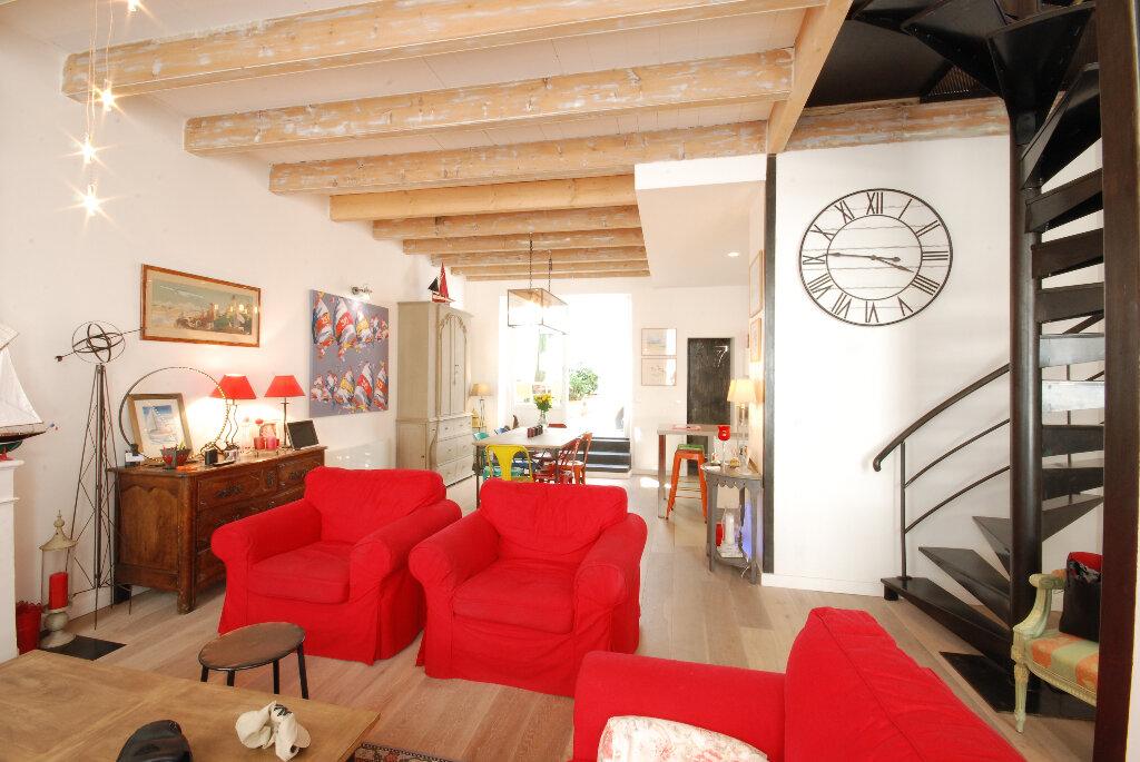 Achat Maison 6 pièces à Saint-Martin-de-Ré - vignette-1