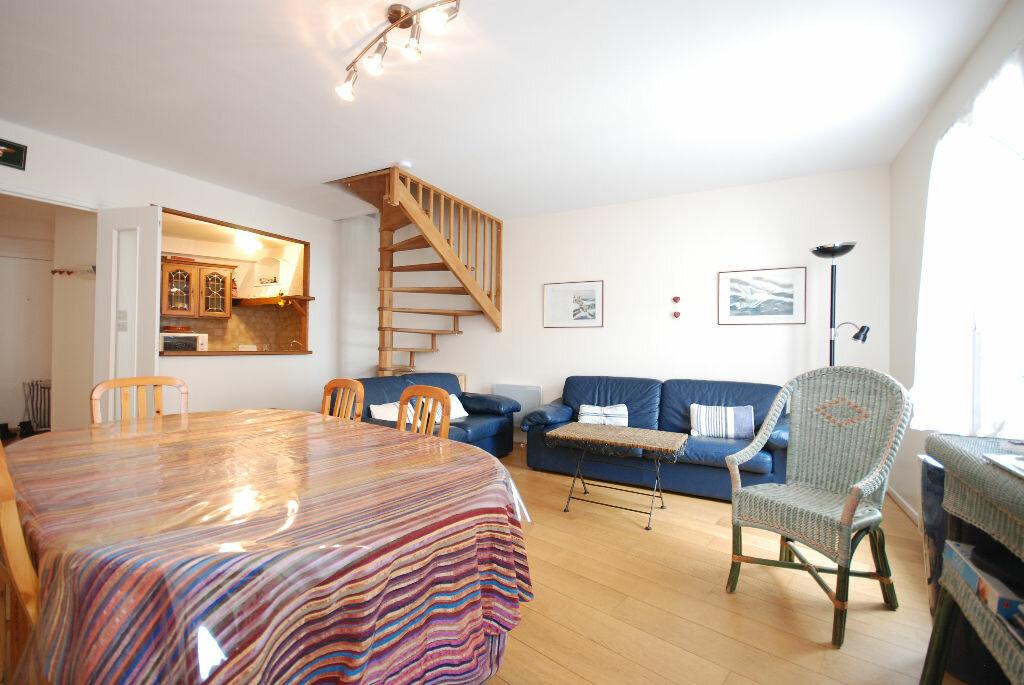 Achat Appartement 4 pièces à Saint-Martin-de-Ré - vignette-1