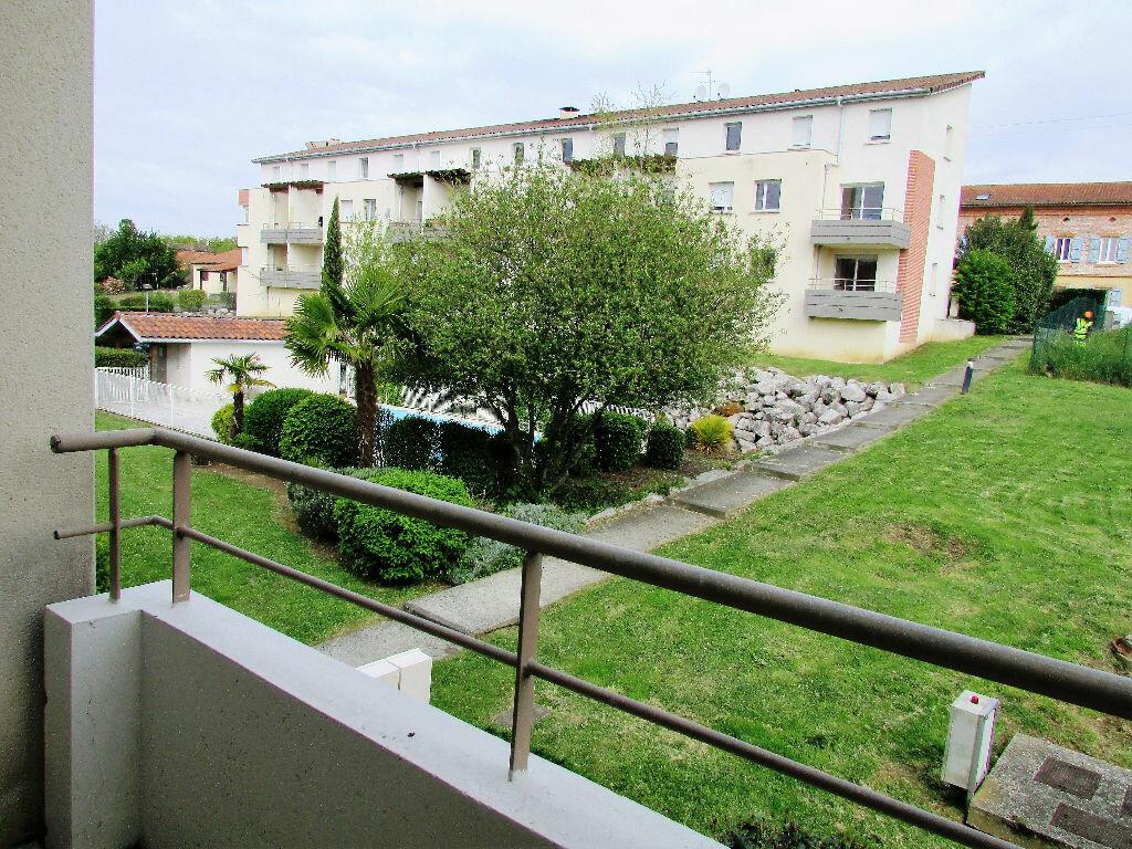 Achat Appartement 3 pièces à Sainte-Foy-de-Peyrolières - vignette-1