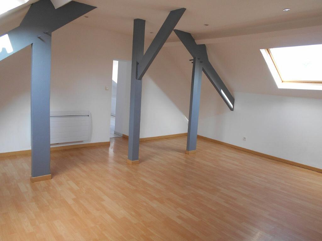 Location Appartement 4 pièces à Béthune - vignette-1