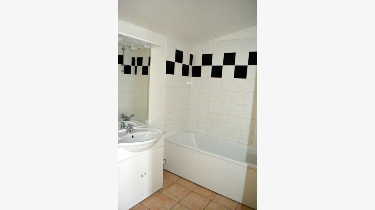 Location Appartement 2 pièces à Béthune - vignette-3