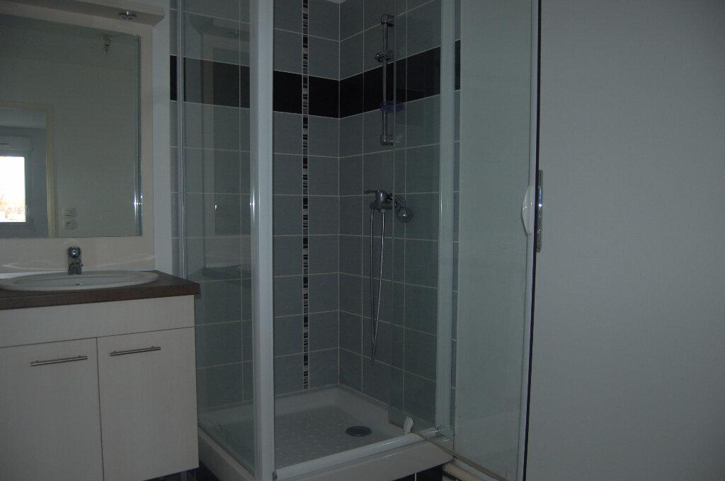 Location Appartement 2 pièces à Sains-en-Gohelle - vignette-3