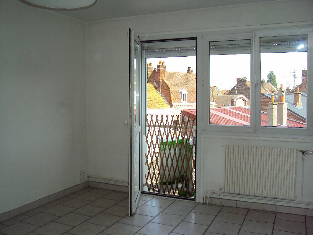 Location Appartement 3 pièces à Béthune - vignette-3