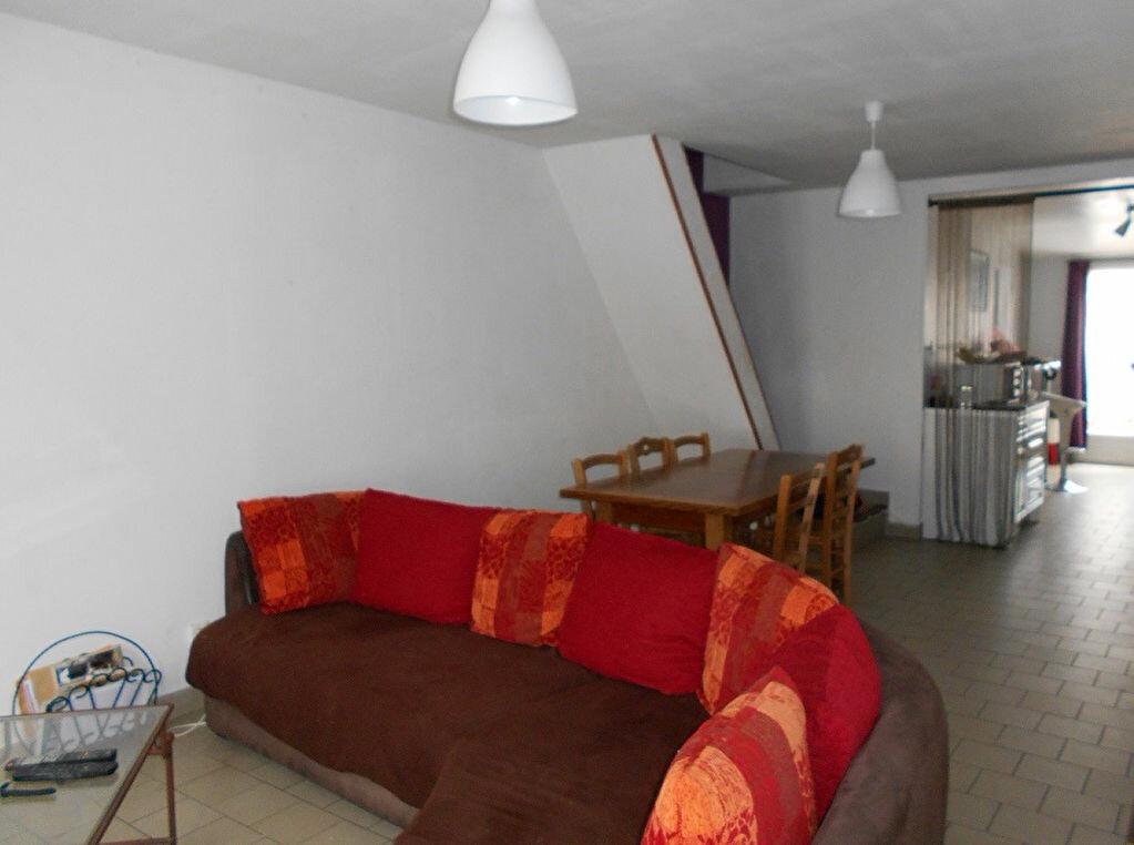 Location Maison 4 pièces à Lillers - vignette-1