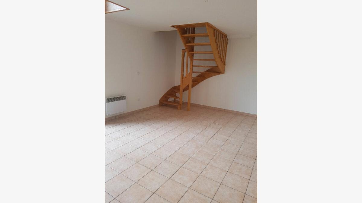 Location Maison 4 pièces à Béthune - vignette-5