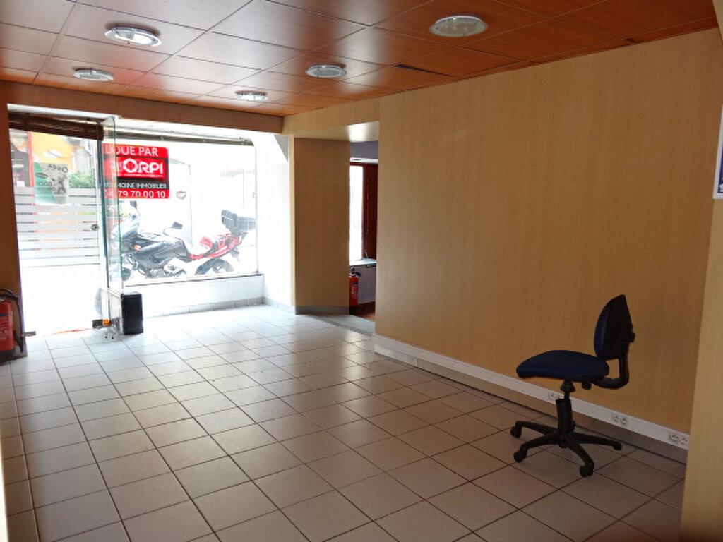 Location Local commercial  à Chambéry - vignette-1