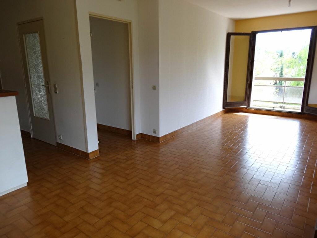 Achat Appartement 3 pièces à La Motte-Servolex - vignette-3