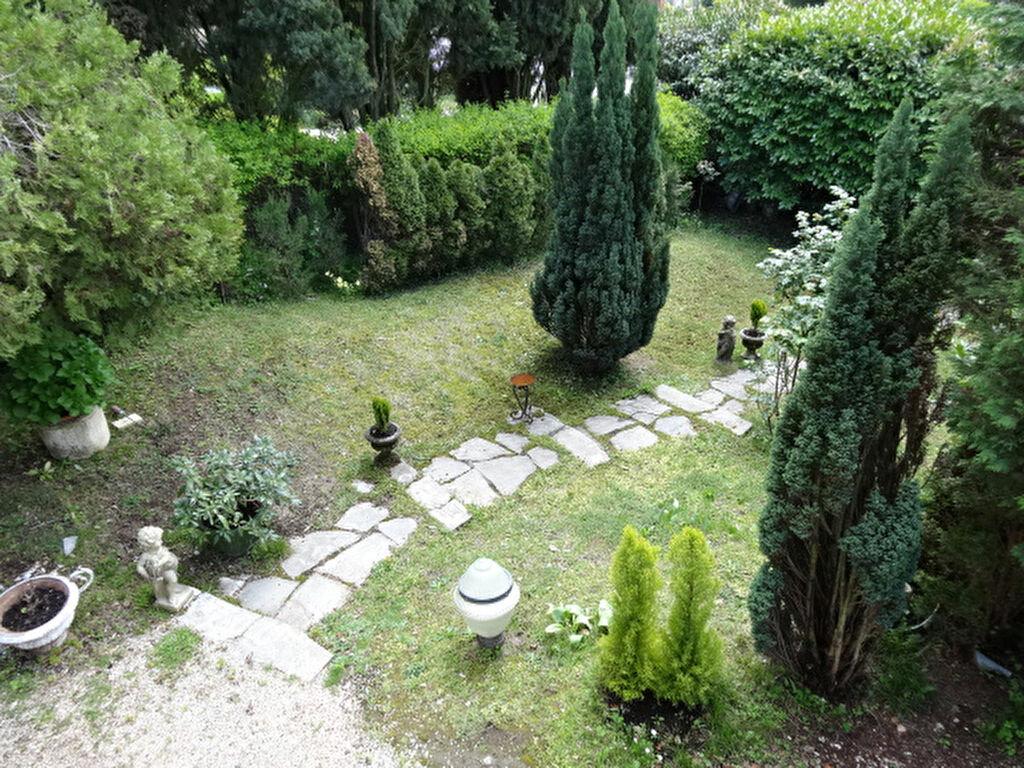 Achat Maison 8 pièces à Chambéry - vignette-9