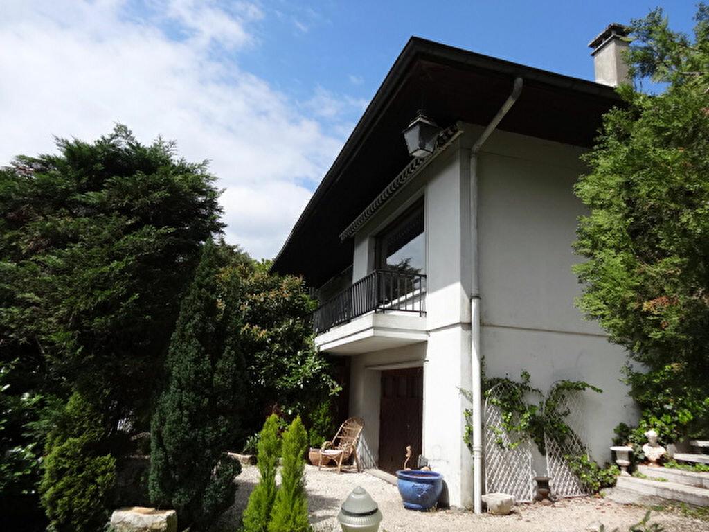 Achat Maison 8 pièces à Chambéry - vignette-13
