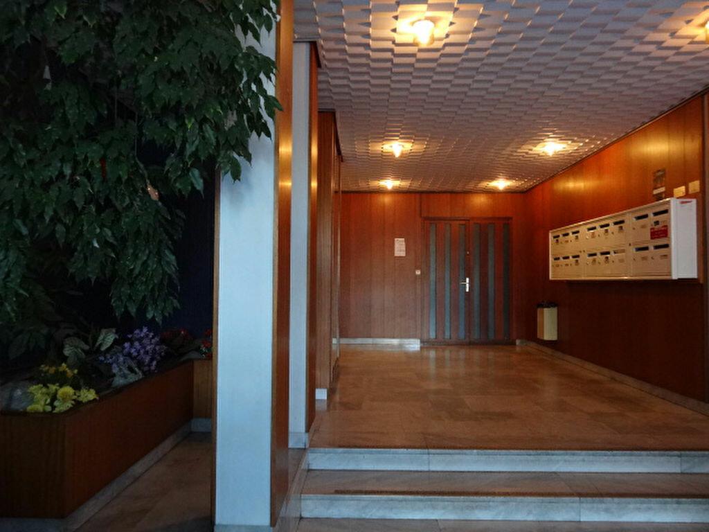 Achat Appartement 4 pièces à Chambéry - vignette-12