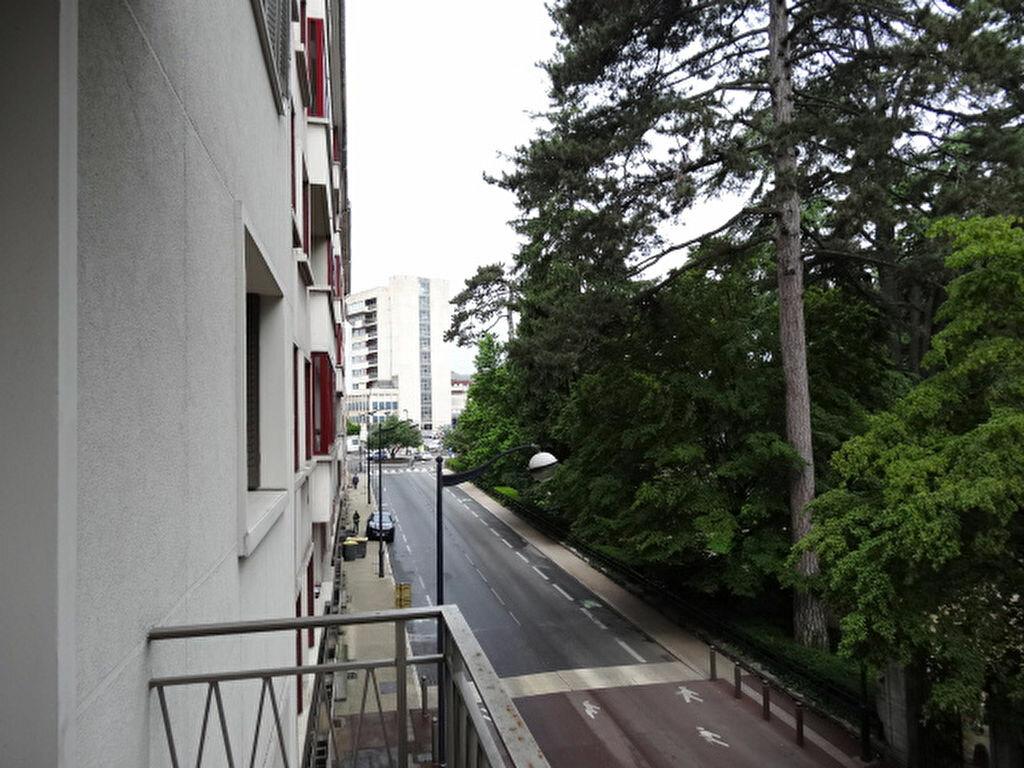 Achat Appartement 3 pièces à Chambéry - vignette-3
