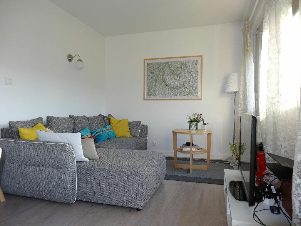 Achat Appartement 3 pièces à Chambéry - vignette-2