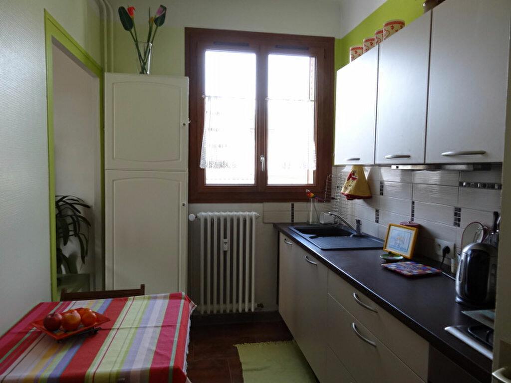 Achat Appartement 3 pièces à Chambéry - vignette-4