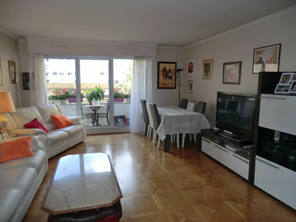 Achat Appartement 4 pièces à Vanves - vignette-1