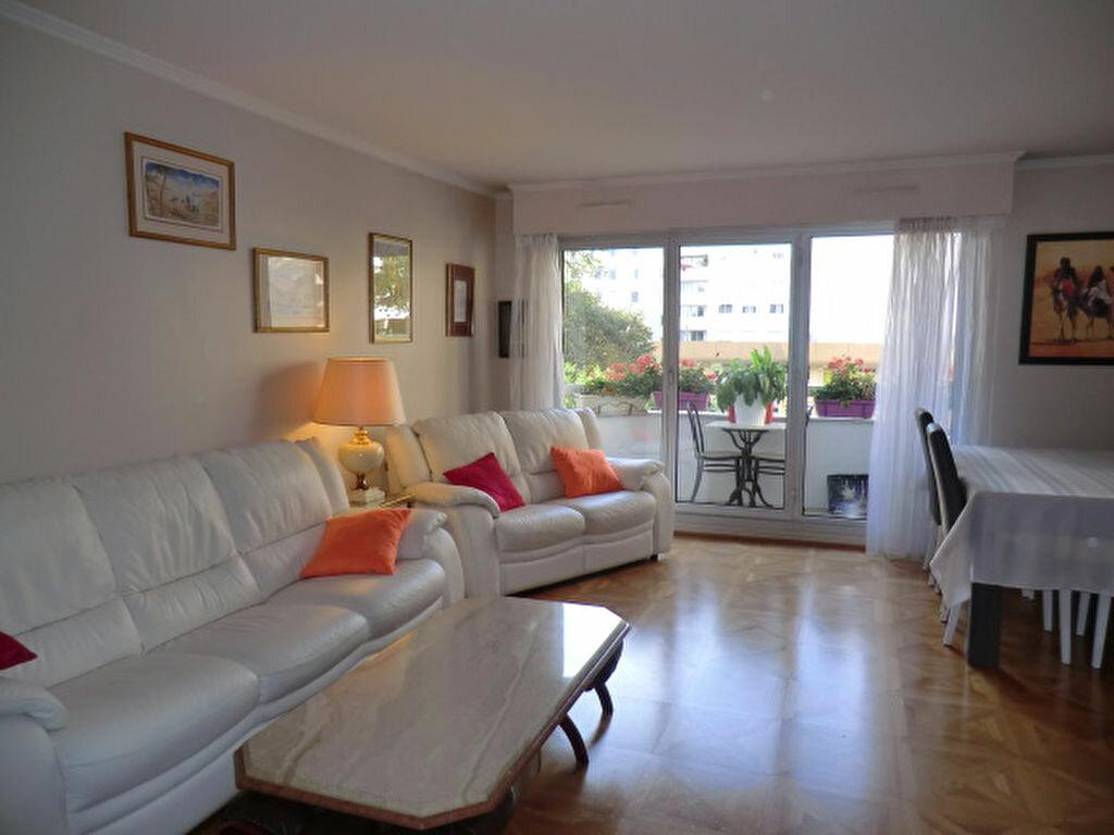 Achat Appartement 4 pièces à Vanves - vignette-2