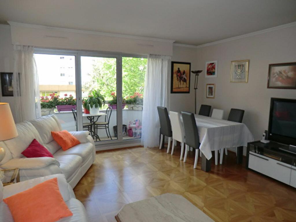 Achat Appartement 4 pièces à Vanves - vignette-3