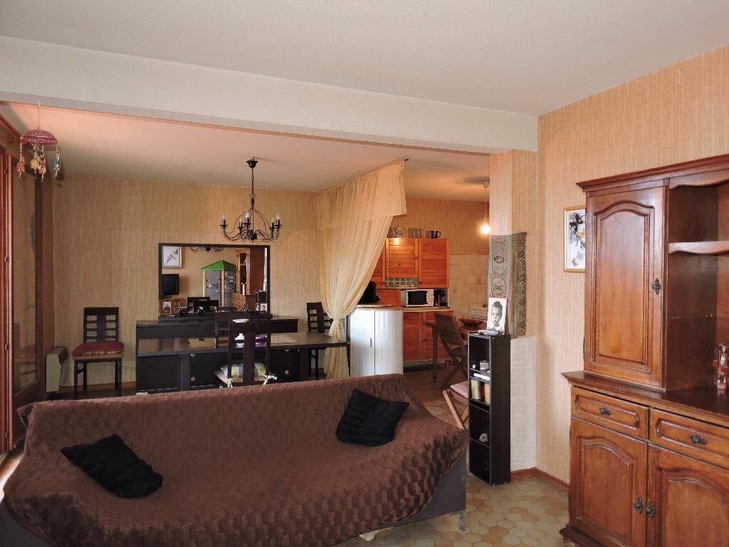 Achat Appartement 3 pièces à Rivesaltes - vignette-3