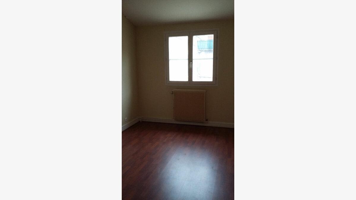 Location Appartement 2 pièces à Champs-sur-Marne - vignette-2