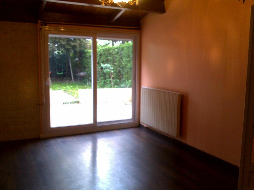 Location Maison 4 pièces à Noisiel - vignette-1
