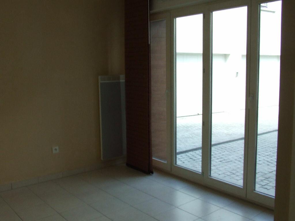 Location Appartement 1 pièce à Champs-sur-Marne - vignette-3