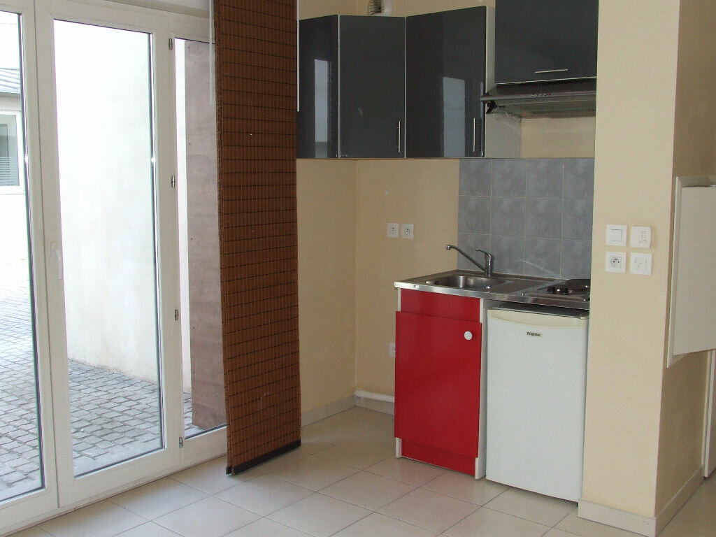 Location Appartement 1 pièce à Champs-sur-Marne - vignette-4
